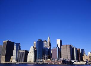 マンハッタンのビル群の写真素材 [FYI00035046]