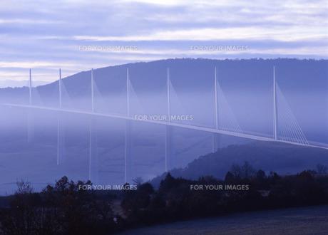 ミヨー橋の写真素材 [FYI00035114]