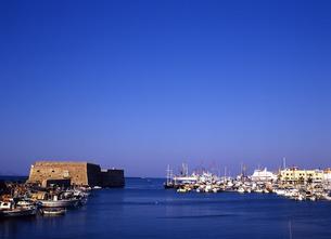 イラクリオの港の写真素材 [FYI00035197]