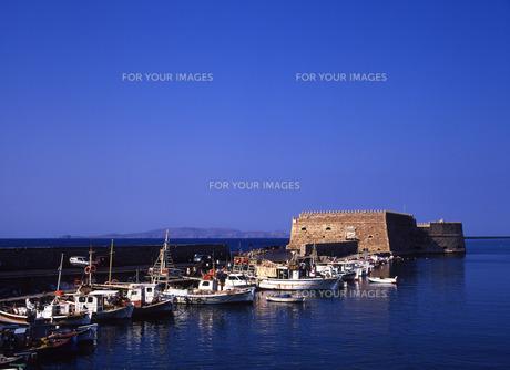 イラクリオの港の写真素材 [FYI00035202]