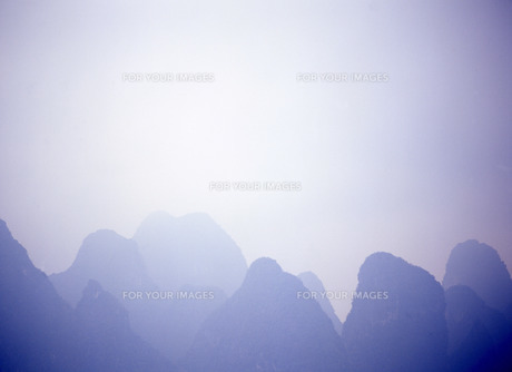 桂林の山並みの写真素材 [FYI00035204]