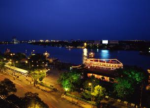 夕暮れのサイゴン川の写真素材 [FYI00035291]