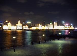 上海の夜の写真素材 [FYI00035463]