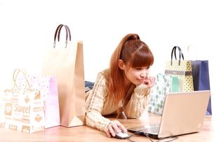 オンラインショッピングの写真素材 [FYI00035852]