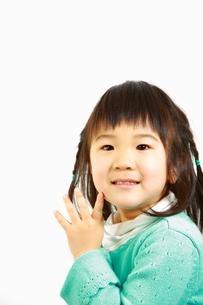 笑顔の女の子の写真素材 [FYI00036166]
