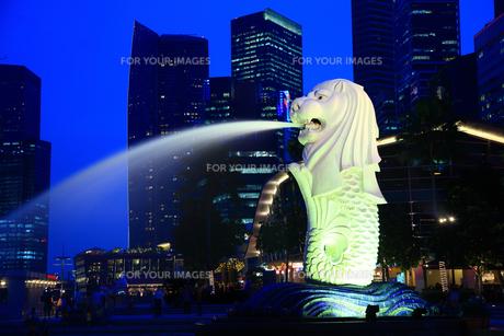 夕暮れのシンガポールの写真素材 [FYI00036374]