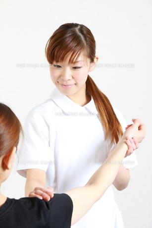 リハビリ看護の写真素材 [FYI00036505]