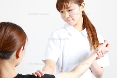 リハビリ看護の写真素材 [FYI00036506]