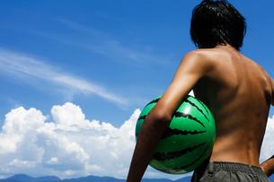 夏の少年の写真素材 [FYI00038780]