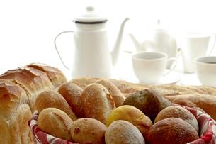 パン集合とコーヒーの写真素材 [FYI00038966]