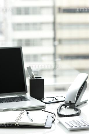 オフィスデスクの写真素材 [FYI00040294]