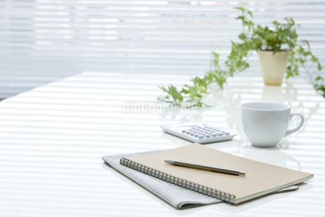 オフィスデスクの写真素材 [FYI00040299]