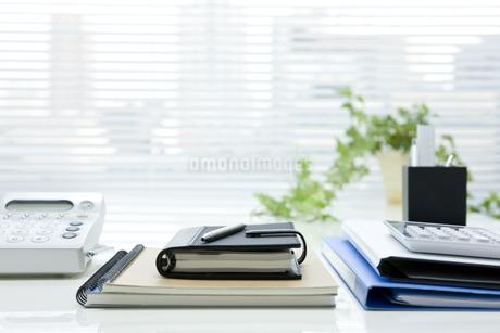 オフィスデスクの写真素材 [FYI00040302]