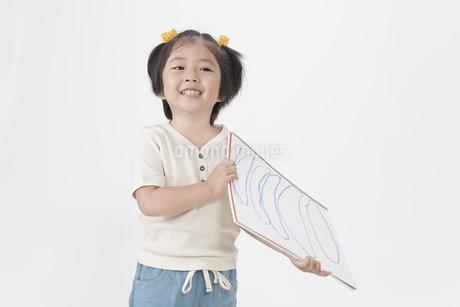笑顔の女の子の写真素材 [FYI00040538]