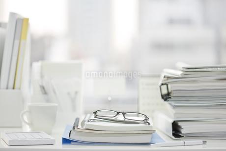 オフィスデスクの写真素材 [FYI00041037]