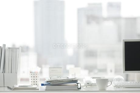 オフィスデスクの写真素材 [FYI00041053]
