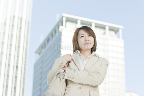 外出するビジネスウーマンの写真素材 [FYI00041142]