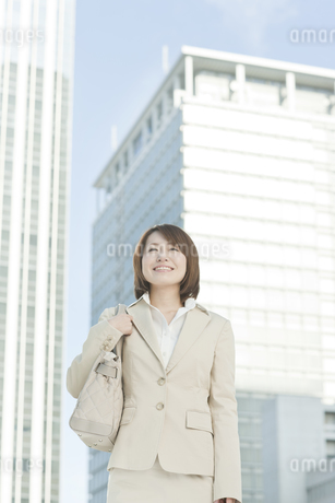 外出するビジネスウーマンの写真素材 [FYI00041146]