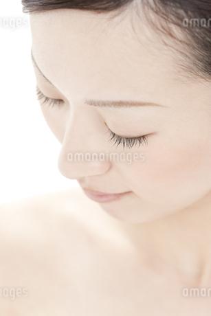 若い女性の美容イメージの写真素材 [FYI00041360]