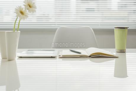 オフィスデスクの写真素材 [FYI00042030]