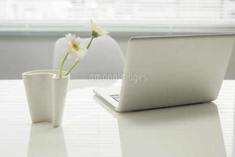 オフィスデスクの写真素材 [FYI00042032]