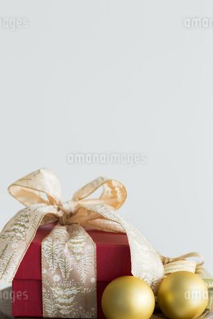 クリスマスプレゼントの写真素材 [FYI00042421]