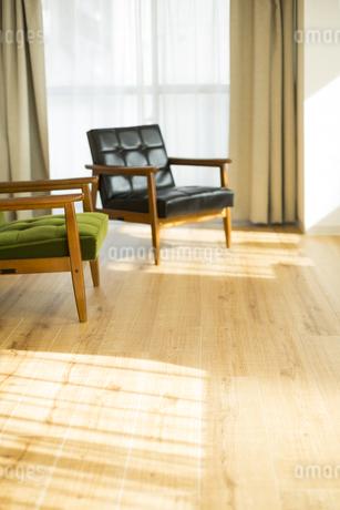 部屋の中にあるソファの写真素材 [FYI00042496]