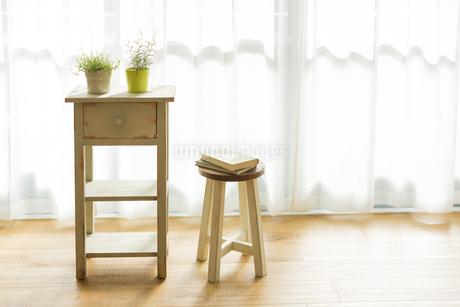 部屋の中にある家具の写真素材 [FYI00042511]
