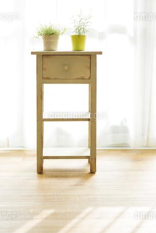 部屋の中にある家具の写真素材 [FYI00042528]