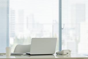 オフィスデスクの写真素材 [FYI00042582]