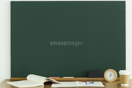 黒板と雑感の写真素材 [FYI00042664]