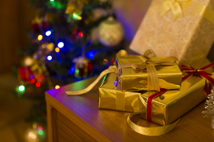 クリスマスプレゼントの写真素材 [FYI00042791]