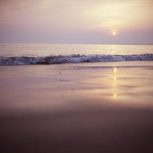 片瀬海岸の夕景の素材 [FYI00043698]