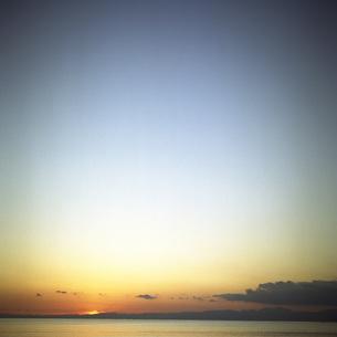 海岸の夕景の素材 [FYI00043725]