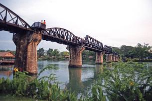 カンチャナブリの橋の素材 [FYI00043741]