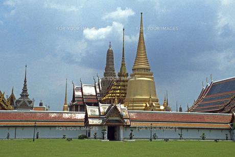 バンコクのエメラルド寺院の素材 [FYI00043773]
