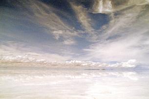 ウユニ塩湖の素材 [FYI00043779]