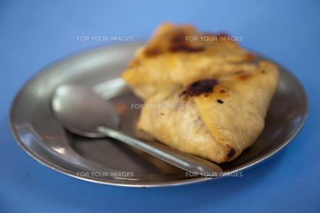 インドのお菓子サモサの写真素材 [FYI00043874]
