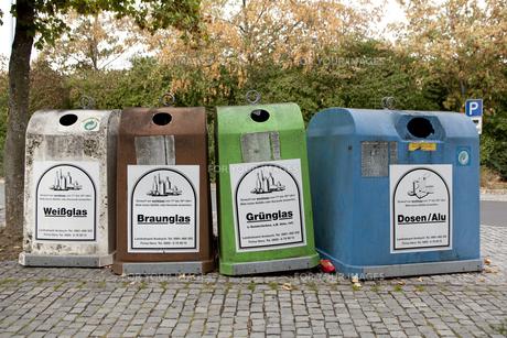 ドイツの瓶分別ゴミ箱の写真素材 [FYI00044188]