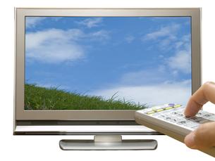 地デジテレビとリモコンの写真素材 [FYI00044493]