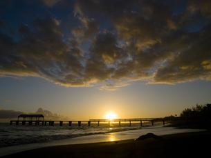 カウアイ島ワイメアの夕景の素材 [FYI00044533]