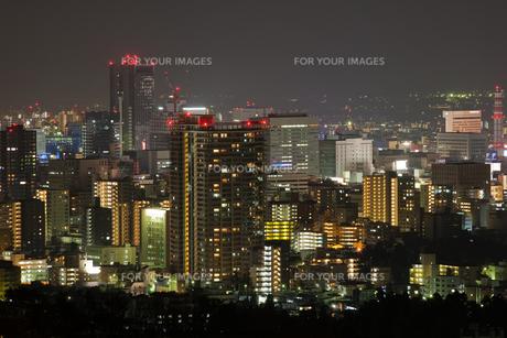 夜景 ビルの写真素材 [FYI00045977]