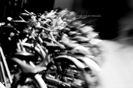 自転車置き場の素材 [FYI00045994]