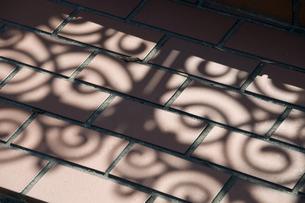 タイルと影の写真素材 [FYI00046959]