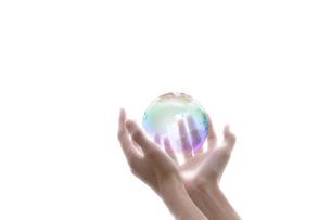地球と手の写真素材 [FYI00047343]