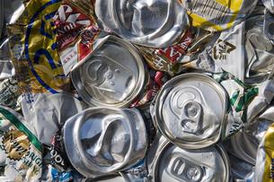 空き缶リサイクルの写真素材 [FYI00047551]