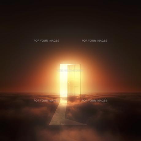 光が射し込むドアの写真素材 [FYI00047834]