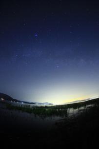 琵琶湖の星空の素材 [FYI00048388]