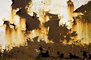 朽ちた鉄板の写真素材 [FYI00049441]