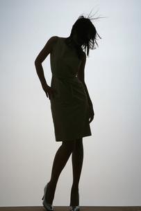 女性のシルエットの写真素材 [FYI00049543]